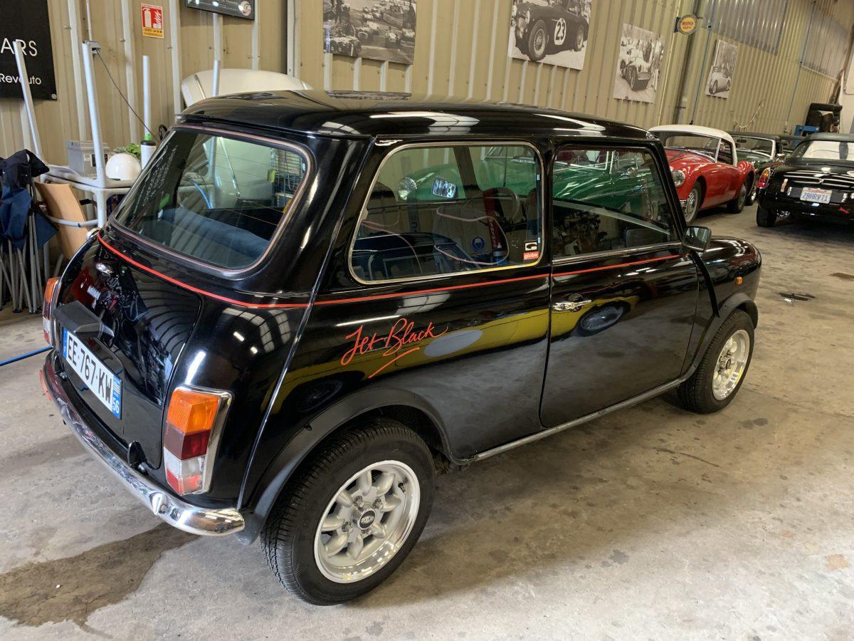Mini Jet Black