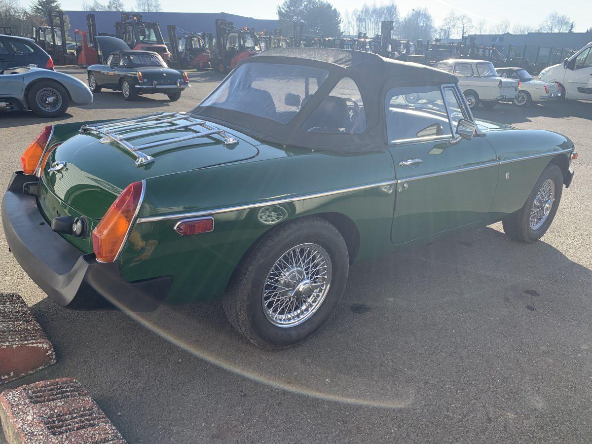 MG B 1977